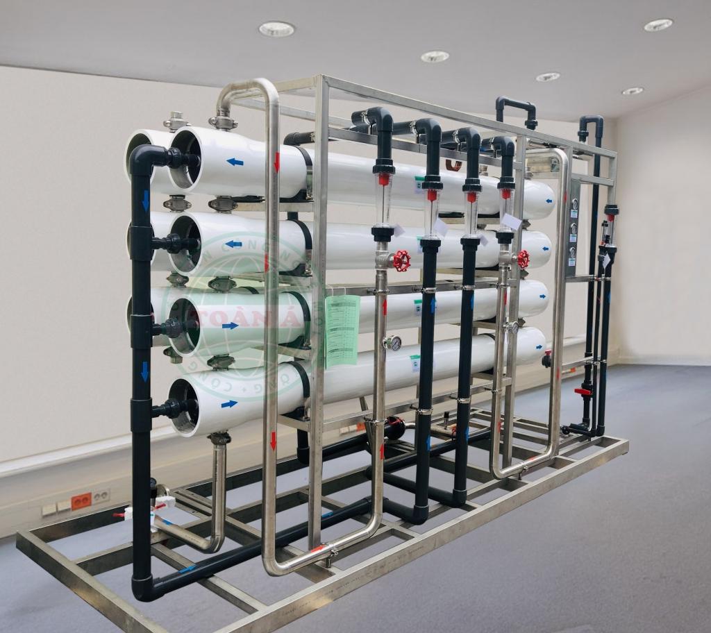 Hệ thống xử lý nước ion bằng RO 2 cấp và EDI 5000l/h Vinfast