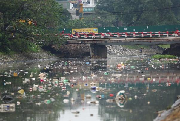 Ô nhiễm nước sông Tô Lịch