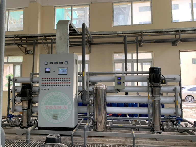 RO WATER TREATMENT SYSTEM CAPACITY 30,000L / H
