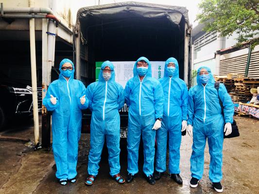 Toàn Á tặng cây nước nóng lạnh cho bệnh viện Bạch Mai