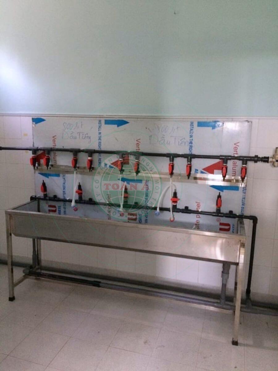 Hệ thống xử lý nước RO 2 Cấp 1500l cho bệnh viện-y tế
