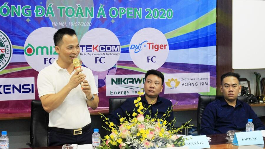 giai bong da toan a open 2020