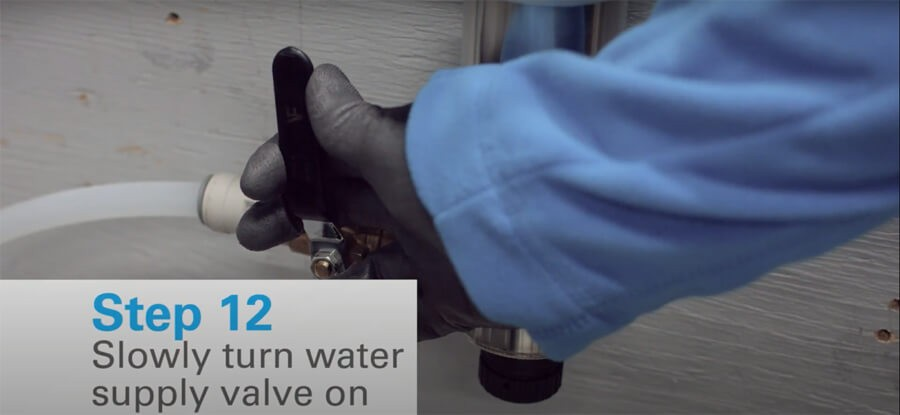 Mở lại nguồn cấp nước