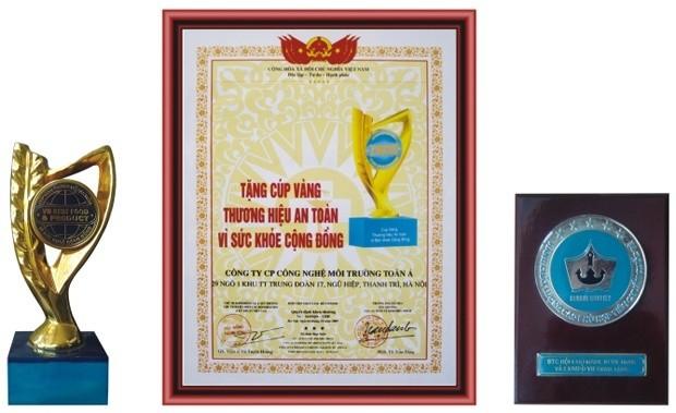 Cúp vàng thương hiệu an toàn vì sức khỏe cộng đồng