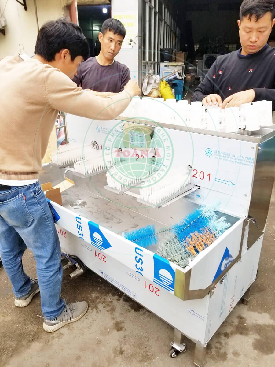 Máy rửa chai XDA-30-4 có kích thước nhỏ gọn