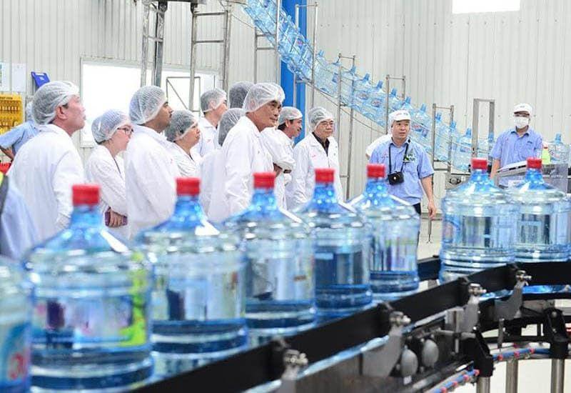 dây chuyền sản xuất nước đóng bình là gì