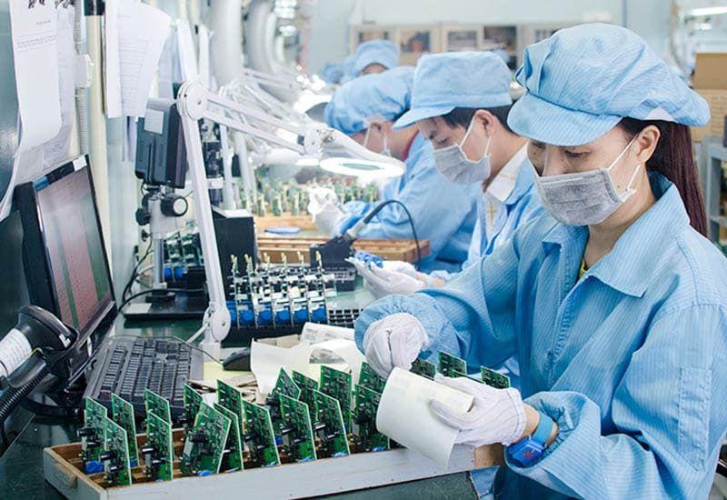 ứng dụng của nước di trong sản xuất vi điện tử
