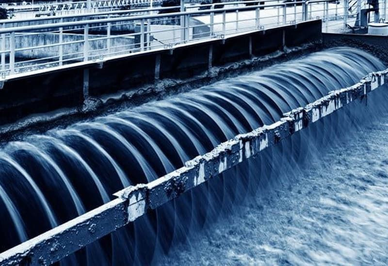 Tại sao nên xử lý nước mặt